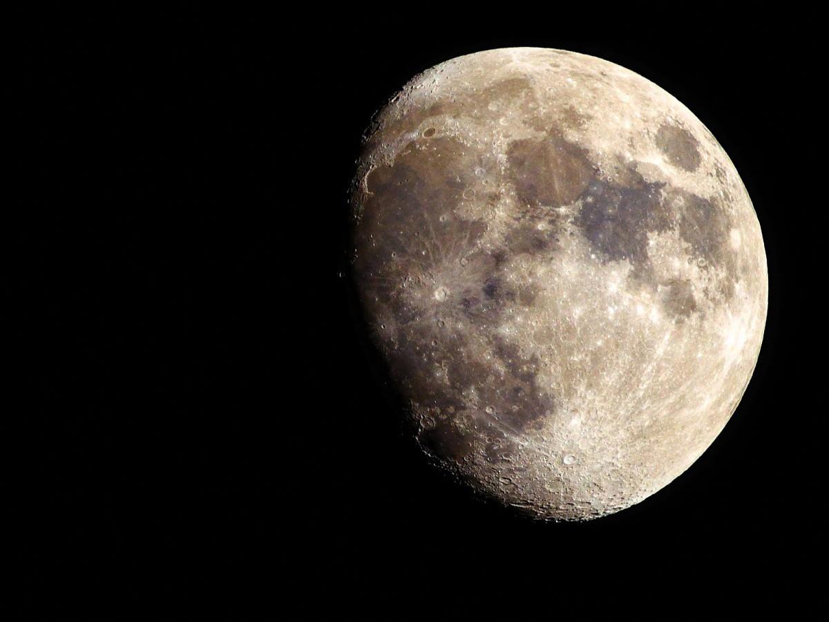 Eclissi lunare Bianca