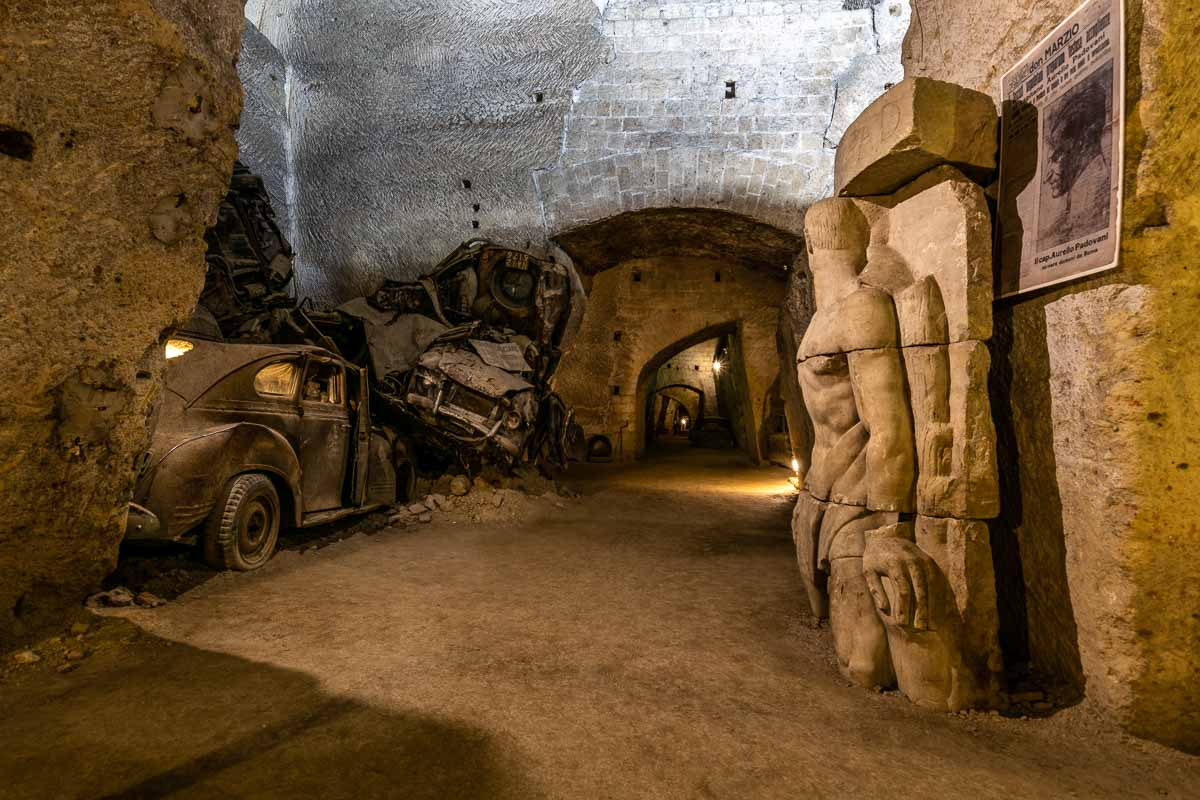Galleria Borbonica statua